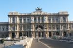 Prostituzione minorile a Roma, 4 arresti tra cui un poliziotto