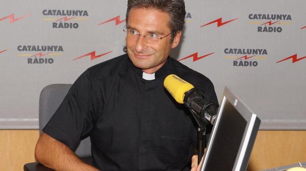 coming out, monsignore, omosessualità, Sicilia, Società