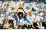 Maradona, 15 anni fa la partita di addio al calcio: in 50mila sugli spalti