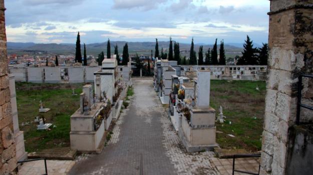 Cimitero, loculi, pizzo, pompe funebri, Caltanissetta, Cronaca