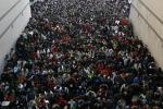 """Squilibrio tra i sessi in Cina: professore propone la """"poliandria"""""""