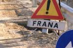 Frana nella zona di Ficuzza per la pioggia, bloccato il transito