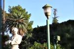 Stop al progetto per nuovo impianto: giardino inglese al buio