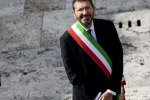 L'ex sindaco Marino davanti ai pm, nega le accuse sulle spese