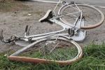 Travolto in bici da un'auto pirata a Marsala, dodicenne in coma