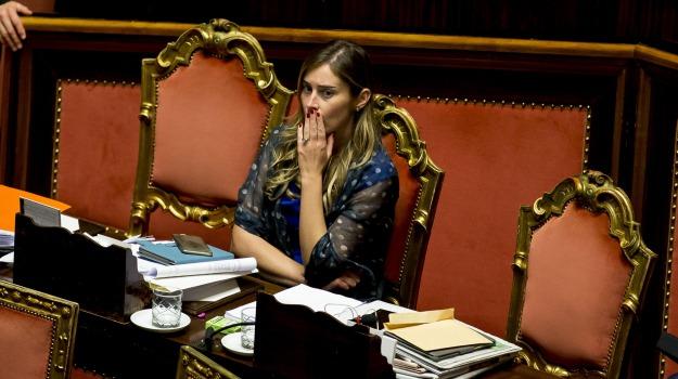 banca etruria, camera, conflitto interessi, decreto salva banche, governo, ministro, sfiducia, Sicilia, Politica