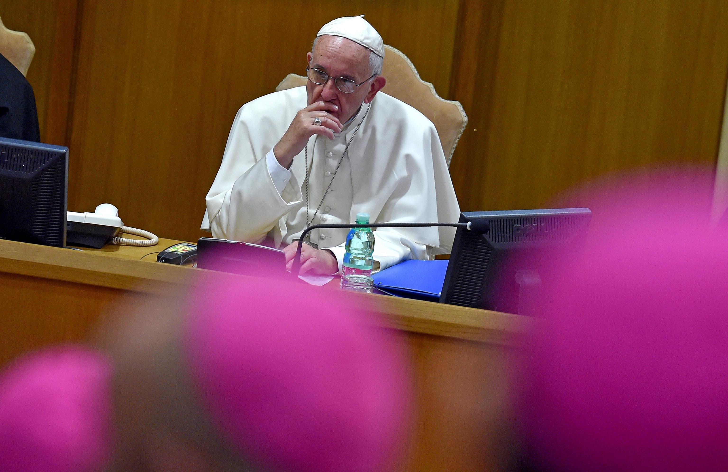 La Poltrona Del Papa.Vatileaks Politi Lupi Legati A Poltrone Vogliono Sporcare La