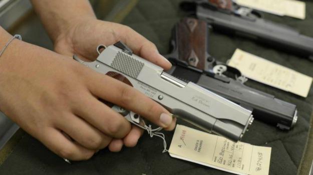 armi, maximulta, pistole, rivenditore, Wisconsin, Sicilia, Mondo