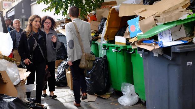 francia, netturbini, parigi, proteste, rifiuti, sciopero, Sicilia, Mondo