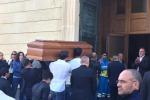 Nicolosi, dolore e rabbia ai funerali di Giordana - Foto