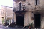 Casa in fiamme ad Alimena, perde la vita una coppia di anziani