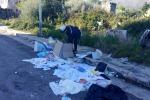 Siringhe e bisturi vicino a una scuola, sequestrata una discarica a Carini