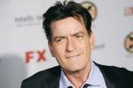 """Charlie Sheen sieropositivo, l'attore dopo l'annuncio choc: """"Sono stato ricattato per mantenere il segreto"""""""