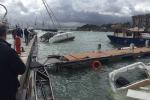 Maltempo a Palermo, il mare in burrasca danneggia barche e gommoni al porticciolo dell'Arenella - Foto