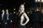 Catene e profonde scollature: sul red carpet il look osè di Jennifer Lawrence