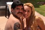 Musica alta e balli sexy: Maradona cacciato dall'hotel