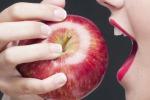 Masticare il cibo in modo corretto aiuta il sistema immunitario