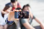 Selfie nudi per raccogliere fondi: la solidarietà diventa 2.0