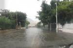 Palermo nella morsa del maltempo, tra cornicioni caduti e allagamenti in città - Video