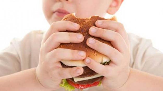 obesità infantile, sazietà, Sicilia, Società