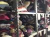 """Vestiti e scarpe da donare ai poveri: nasce la """"Boutique solidale"""" - Video"""