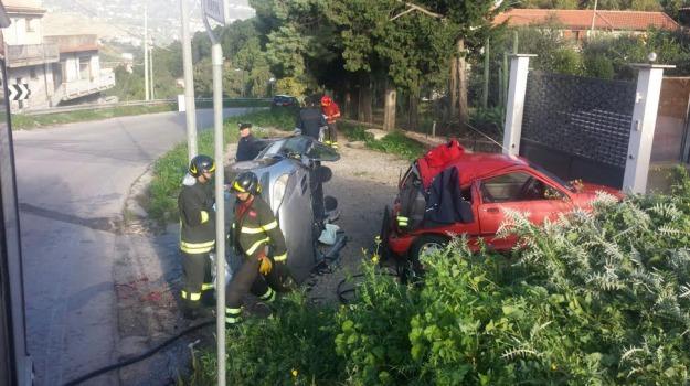 incidente, macchina, vigili del fuoco, Palermo, Cronaca