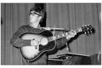 """John Lennon, la sua chitarra venduta per 2,4 milioni: la usò per comporre """"Love me do"""""""