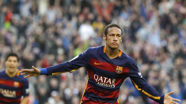 Neymar a Parigi, Neymar, Sicilia, Sport