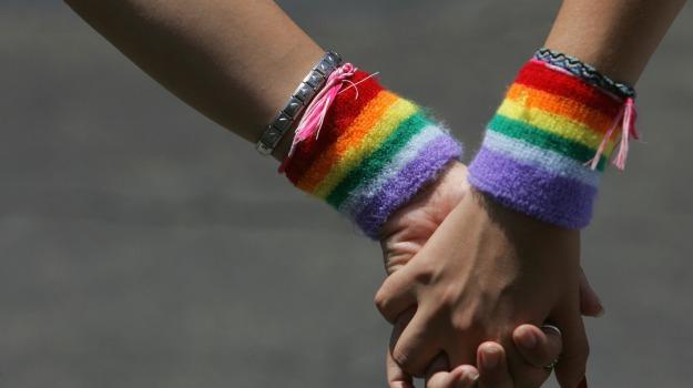 adozioni, coppia donne gay, roma, sentenza, tribunale, Sicilia, Cronaca