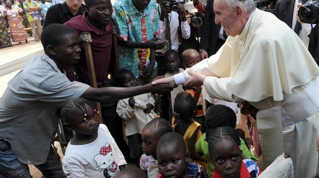 africa, viaggio, Papa Francesco, Sicilia, Cronaca