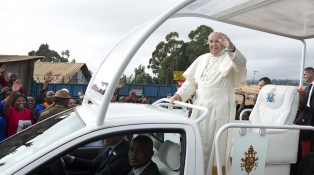 africa, baraccopoli, kenya, Nairobi, papa, poveri, visita, Sicilia, Mondo