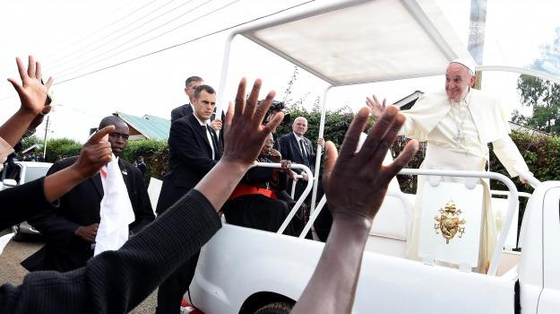 viaggio in africa papa, Papa Francesco, Sicilia, Cronaca