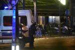 """Carneficina tra le urla al Bataclan, i testimoni: """"Li uccidevano a uno a uno"""" - Video"""