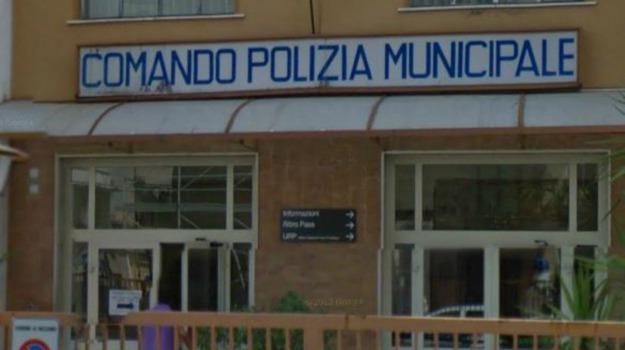 vigili urbani aggrediti, Palermo, Cronaca