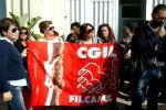 Refezione scolastica a Gela, il servizio non parte: protesta dei lavoratori