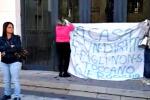 Sfratti a Gela, protesta in Comune - Video