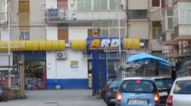 rapina ard discount via Gaeta, Rapina supermercato Lentini, Siracusa, Cronaca