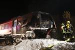 Treno investe e trascina camion sul passaggio a livello, due morti in Germania