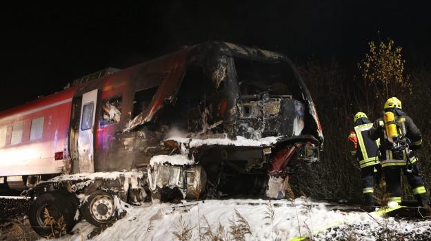 germania, scontro treno camion, Sicilia, Mondo