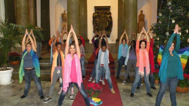danza della pace, flashmob, Sicilia, Società