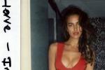 Bikini e scollatura da urlo: spunta su Instagram una vecchia foto di Irina Shayk