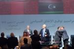 """Tripoli, il ministro degli esteri: """"No a intervento straniero in Libia"""""""