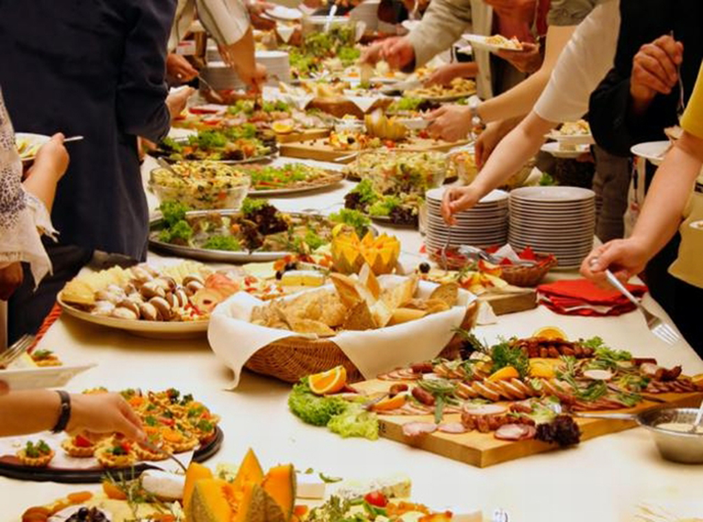 A Natale torna il pranzo in famiglia: 3 ore in cucina e 102 per ...