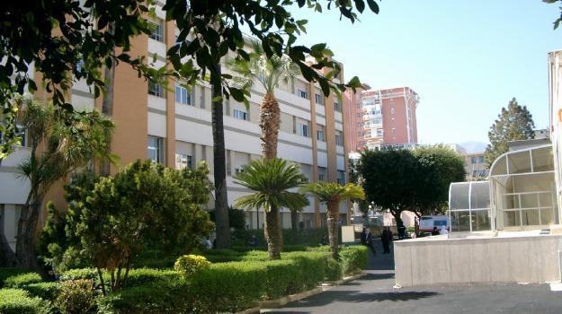 ambulanza, bimbi, ospedale, Palermo, Cronaca