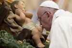 """Il Papa nella messa per la famiglia: """"E' in essa che si deve iniziare a praticare il perdono"""""""