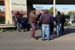 Gela, protesta l'indotto. Bloccati gli accessi alla Raffineria - Video
