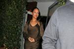 In sottoveste al ristorante: il look (bocciato) di Rihanna - Foto