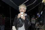 Rita Ora ci dà un taglio: il nuovo look della cantante inglese - Foto