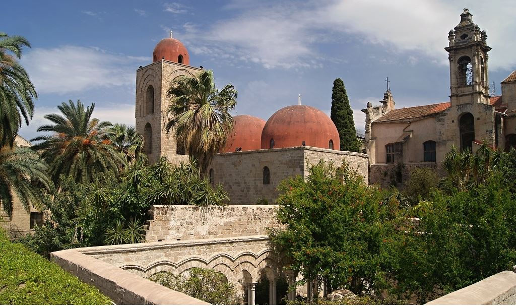 Rosse eppure... non lo sono mai state: le cupole di San Cataldo e ...
