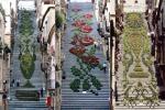 La scalinata di Caltagirone tra fiori e luci